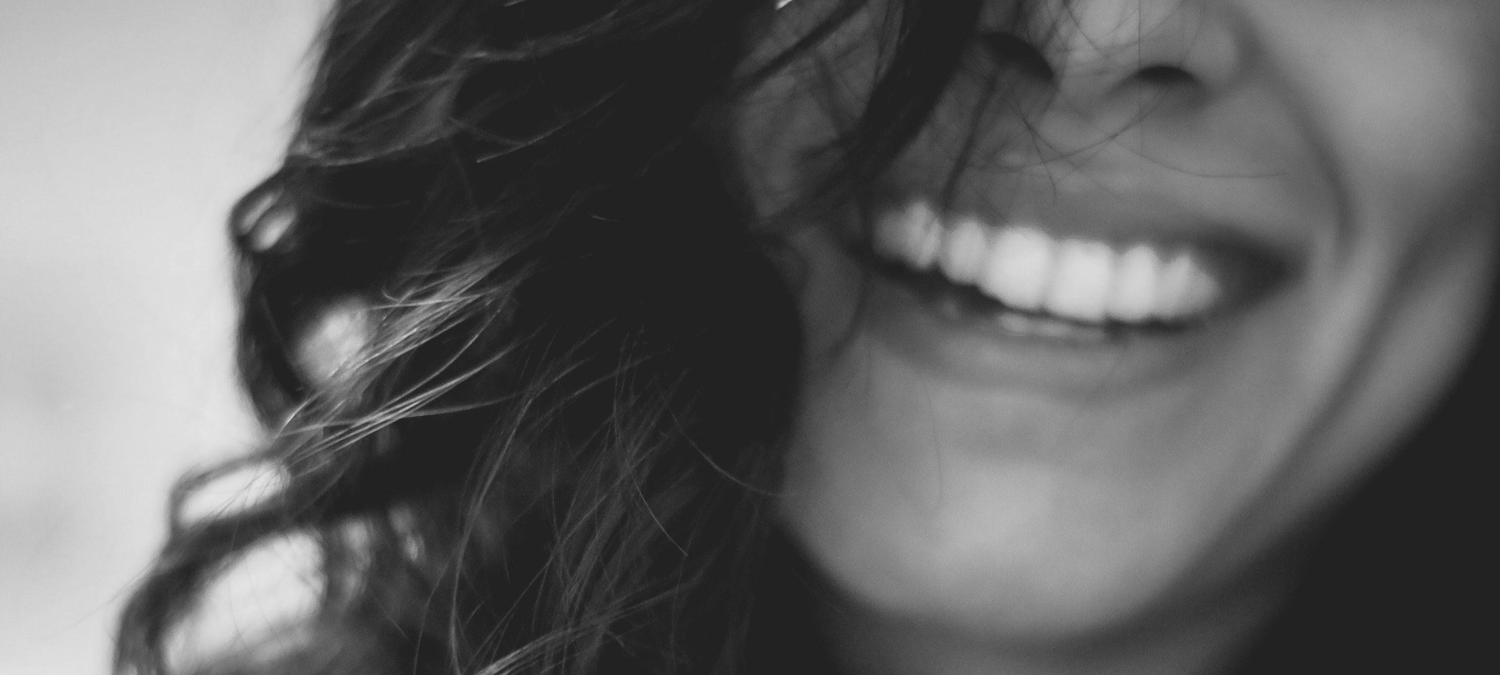 malmö frisör hairtalk extensions hårförlängning balayage olaplex lanza tandblekning massage malibuc klippning barnklippning slingor onlinebokning malmöfrisör frisörmalmö ipl dermapen mesoterapi filler fillers dermorganic